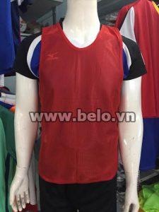 Áo lưới tập bóng đá phân đội màu đỏ đậm AT002