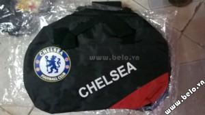 Túi đựng đồ bóng đá hình trống Chelsea đen đỏ