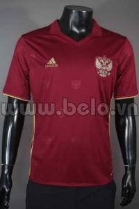 Áo bóng đá đội tuyển Nga màu đỏ năm 2015-2016