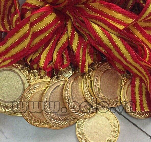 Huy chương thể thao vàng,bạc,đồng các môn bóng đá, bóng bàn, bóng chuyền, cầu lông