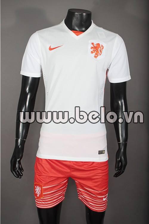 Aó bóng đá đội tuyển Hà Lan sân khách 2015-2016