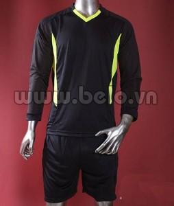 Áo thủ môn màu đen giá rẻ