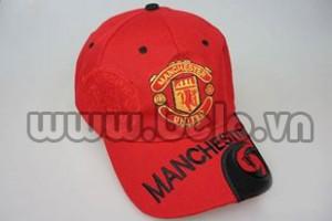 Mũ bóng đá CLB Manchester United màu đỏ.