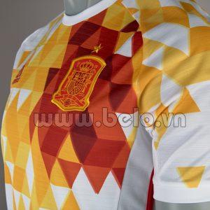 Áo bóng đá đội tuyển Tây Ban Nha sân khách