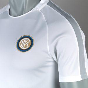 Áo Inter Milan sân khách màu trắng 2016-2017.