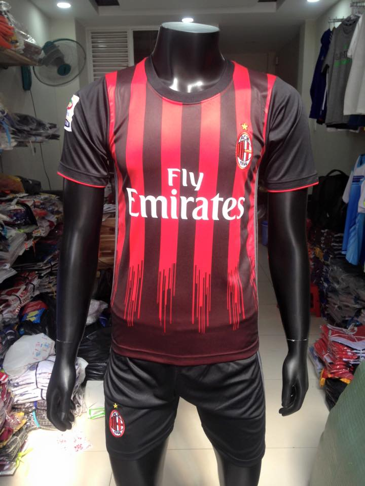 Mẫu áo AC Milan sân nhà 2016-2017