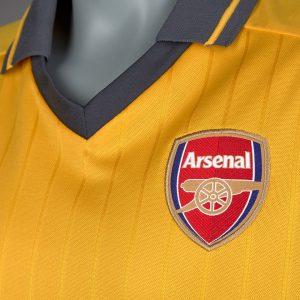 Áo Arsenal màu vàng sân khách 2016-2017