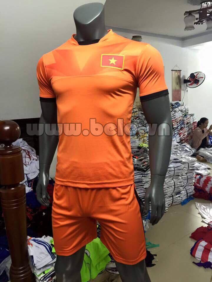 Áo bóng đá đội tuyển Việt Nam 2016-2017 màu cam