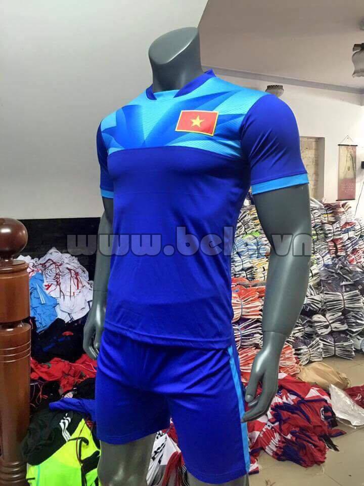 Áo bóng đá đội tuyển Việt Nam sân khách 2016-2017 xanh biển