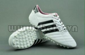 Giày bóng đá ba sọc CT3 màu trắng sọc đen