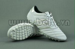 Giày bóng đá ba sọc CT3 màu trắng sọc đồng