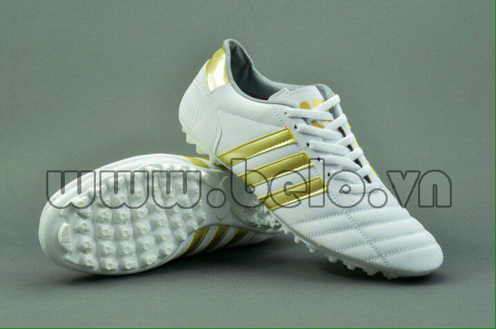 Giày bóng đá ba sọc CT3 màu trắng sọc vàng