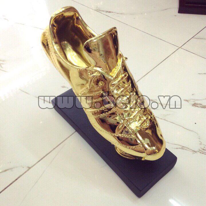 Chiếc giày vàng kỉ niệm chương bóng đá độc quyền tại Belo sport