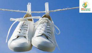 7 mẹo mà bạn cần biết để vệ sinh giày thể thao tốt nhất