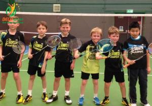 Top 7 vợt cầu lông trẻ em cực chất dành cho trẻ mới bắt đầu