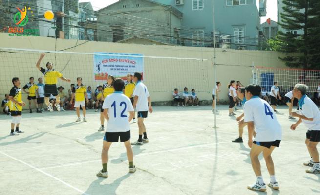 thi đấu bóng chuyền hơi