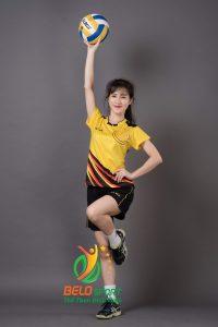 Áo bóng chuyền nữ Kelme K-066G màu vàng