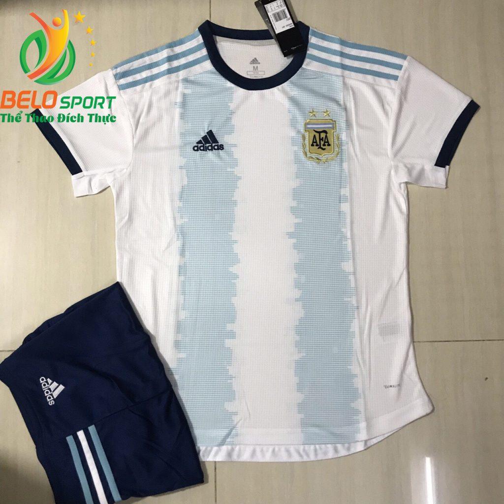 Áo bóng đá đội tuyển argentina 2019-2020 màu trắng pha xanh