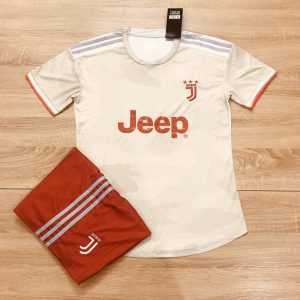 Áo bóng đá CLB Juventus màu trắng đỏ