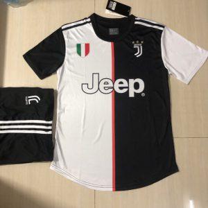 Áo bóng đá CLB Juventus màu đen trắng
