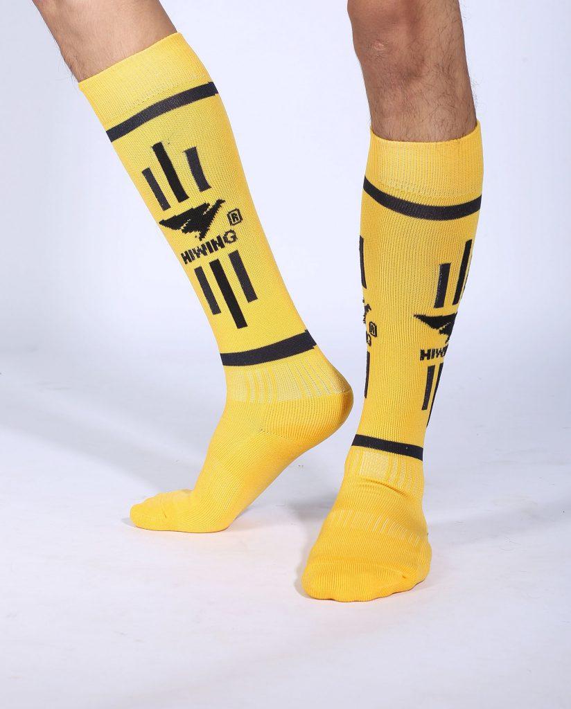Tất bóng chuyền, tất cầu lông, bóng đá thể thao Hiwing màu vàng chính hãng