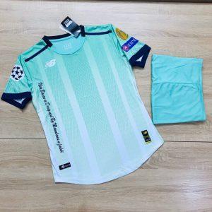 Áo bóng đá không logo NB4 màu xanh trắng năm 2020