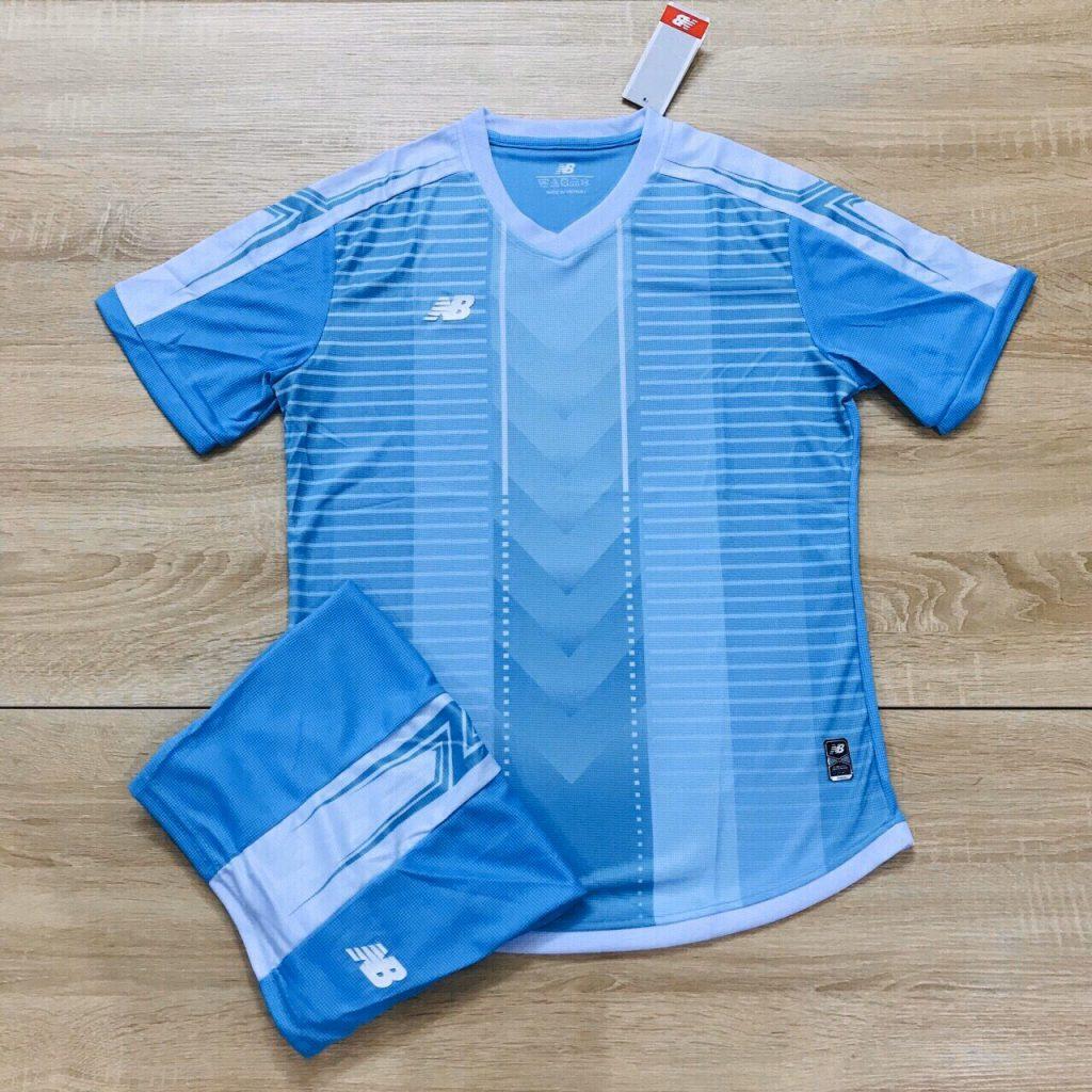 Áo bóng đá không logo NB3 màu xanh da trời năm 2020