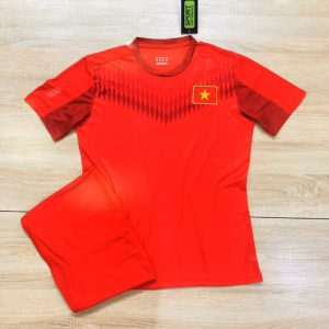 Áo bóng đá đội tuyển quốc gia Việt Nam màu đỏ