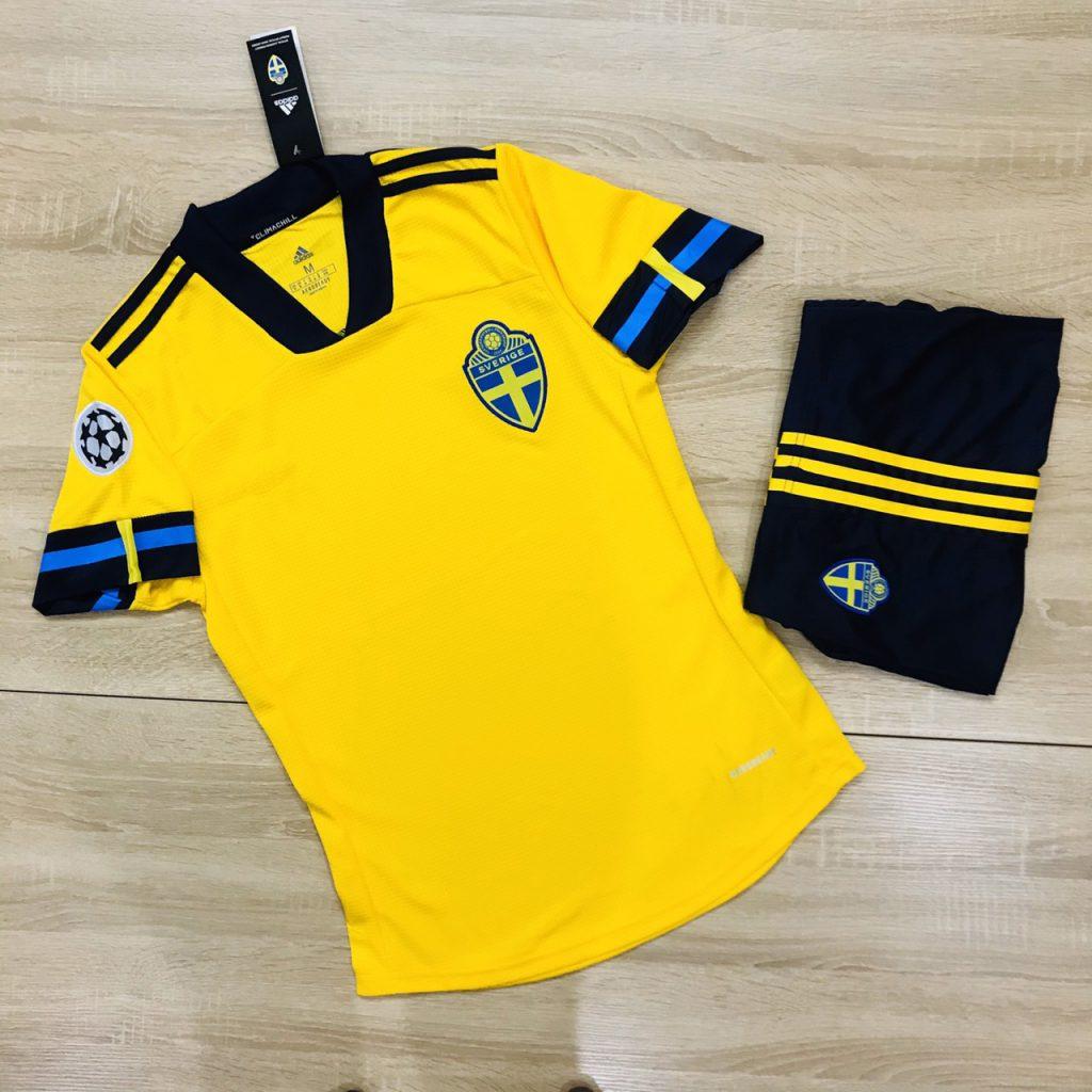 Áo bóng đá đội tuyển Thụy Điển màu vàng năm 2020