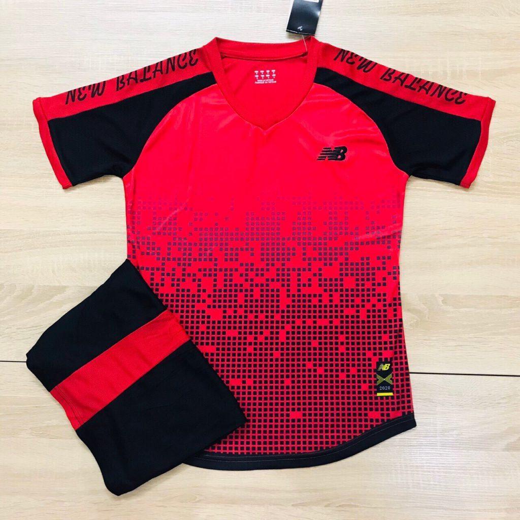 Áo bóng đá không logo NB2 màu đỏ đen năm 2020