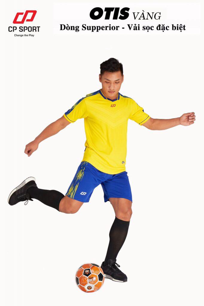 Áo bóng đá CP Otis màu vàng năm 2020