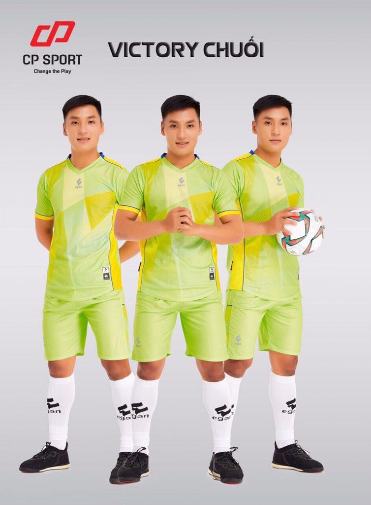 Áo bóng đá CP Victory màu xanh chuối năm 2020