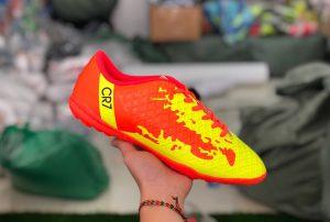 Giày bóng đá trẻ em CR7 màu đỏ vàng mới nhất 2020
