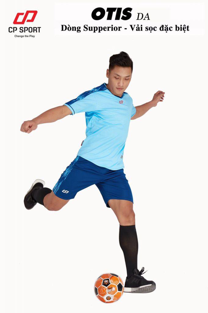 Áo bóng đá CP Otis màu xanh da trời năm 2020