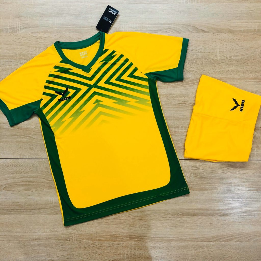 Áo bóng đá không logo NIDU màu vàng mới nhất 2020