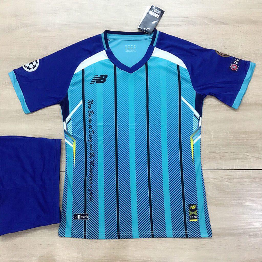 Áo bóng đá không logo NB5 màu xanh da trời sọc đen mới nhất 2020