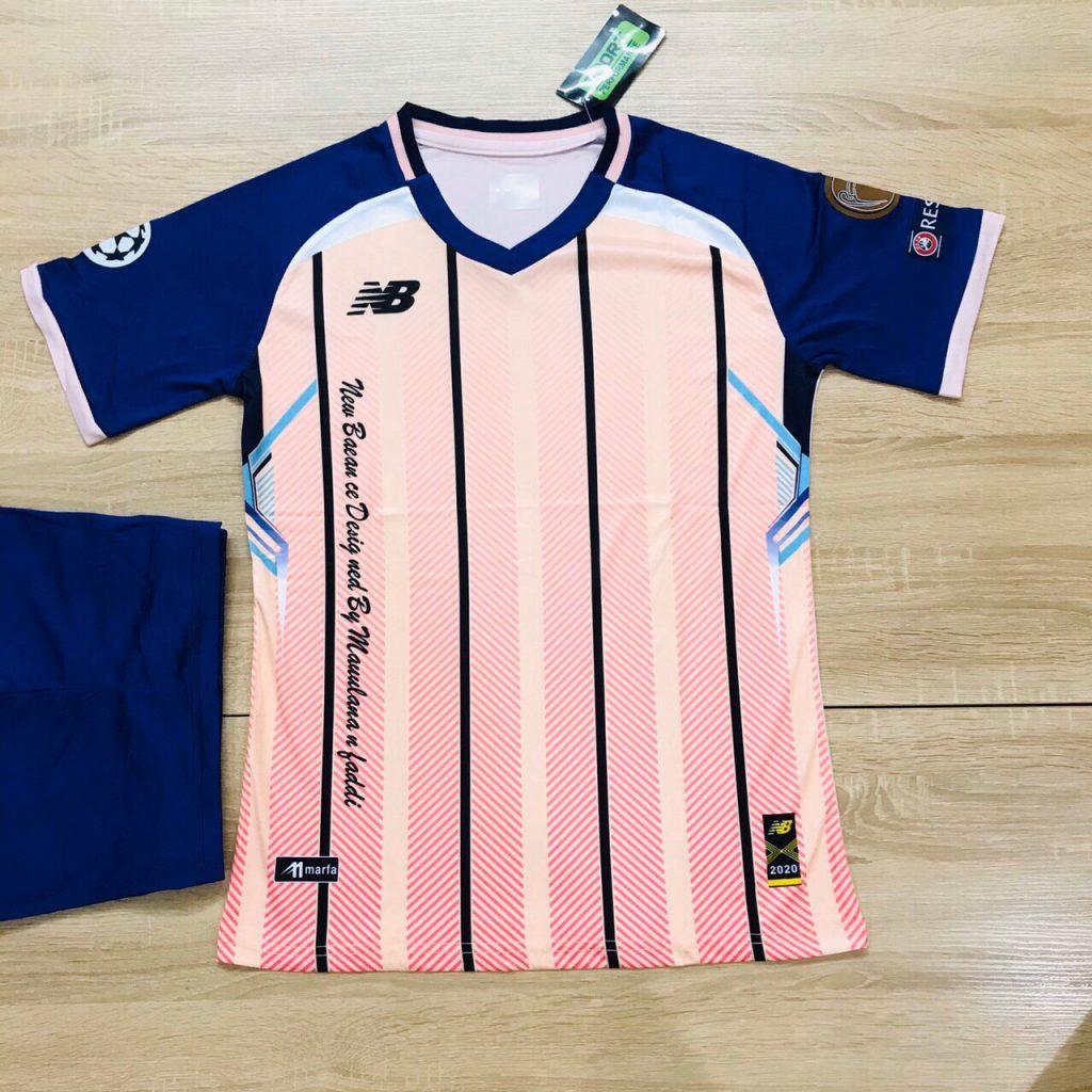 Áo bóng đá không logo NB5 màu hồng sọc đen mới nhất 2020