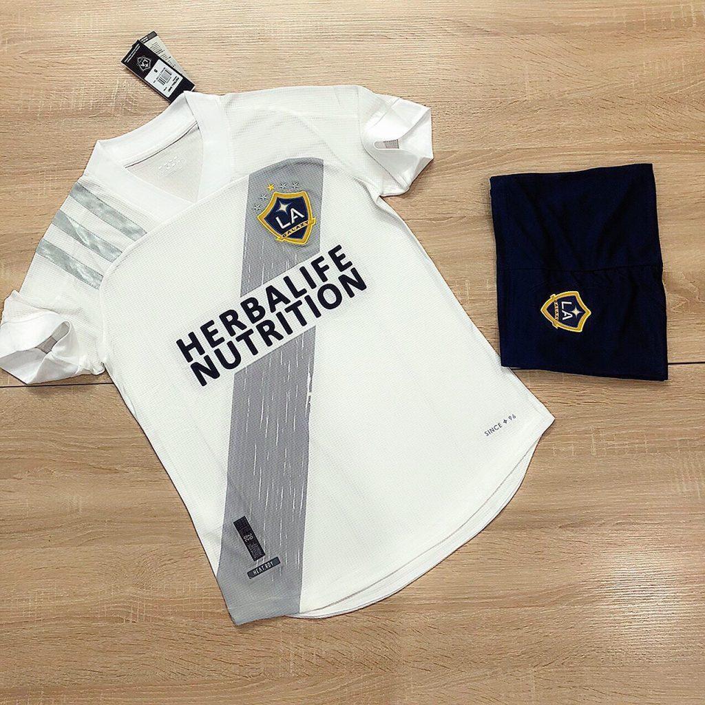 Áo bóng đá CLB LA Galaxy màu trắng mới nhất năm 2020