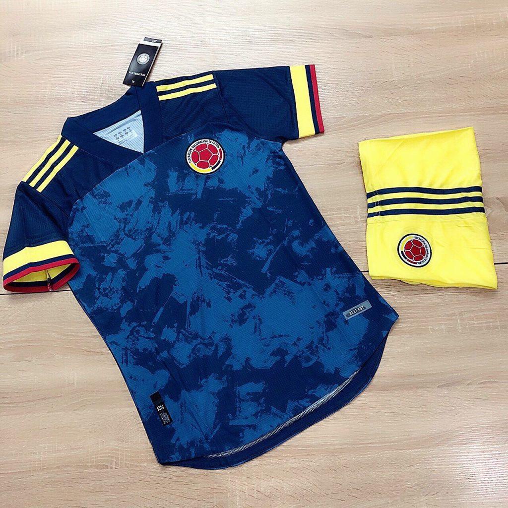 Áo bóng đá đội tuyển Colombia màu xanh đậm mới nhất năm 2020