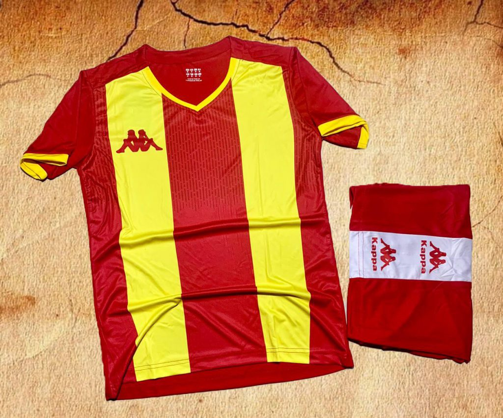 Áo bóng đá không logo Kappa K2020 màu đỏ phối vàng mới nhất