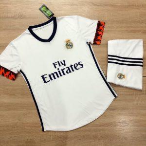 Áo bóng đá CLB Real Madrid màu trắng mới nhất mùa hè năm 2020