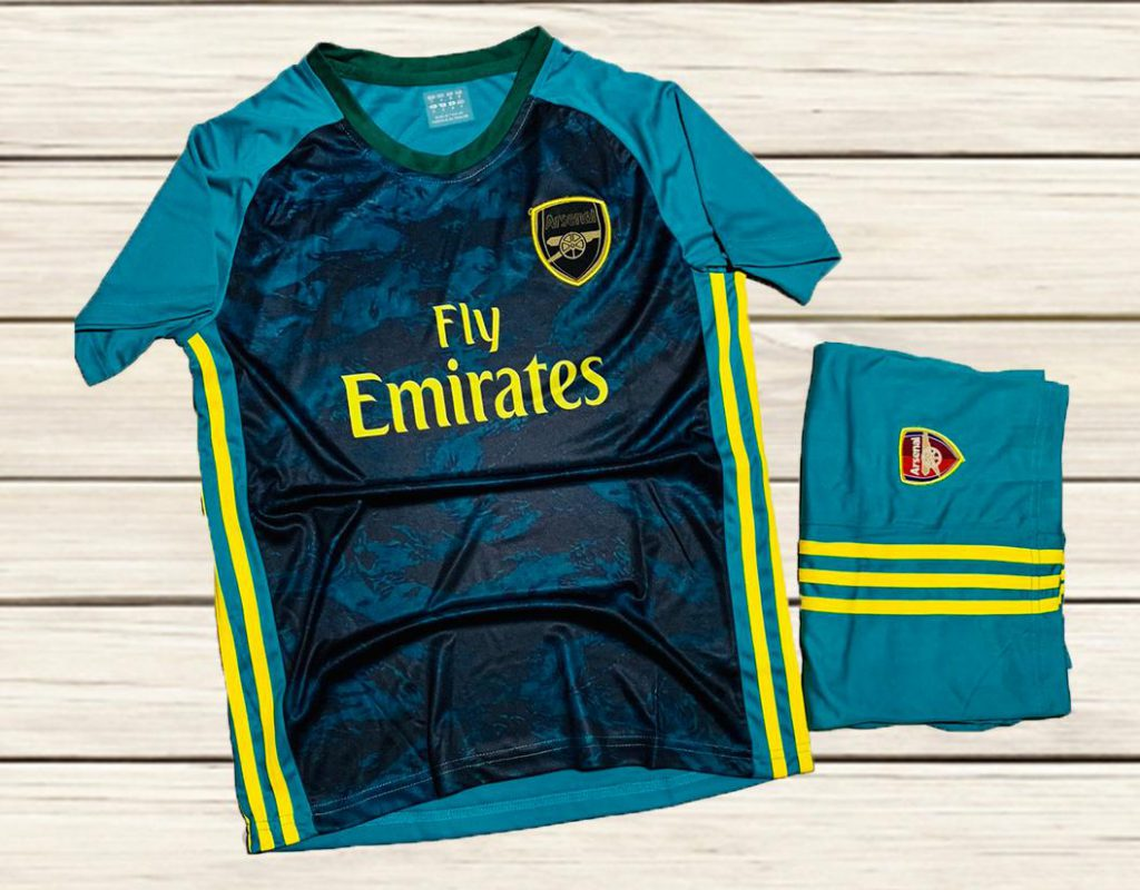 Áo bóng đá giá rẻ CLB Arsenal màu xanh lục mới nhất 2020