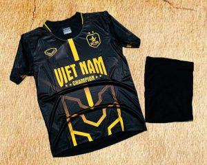 Áo bóng đá đội tuyển quốc gia Việt Nam màu đen mới nhất năm 2020