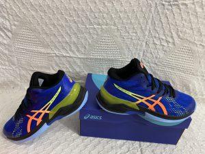 Giày bóng chuyền Asics mã 898 màu xanh phối đen