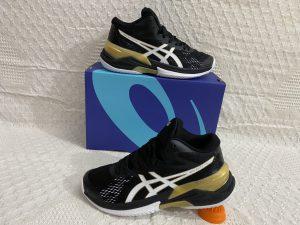 Giày bóng chuyền Asics mã 898 màu đen phối vàng